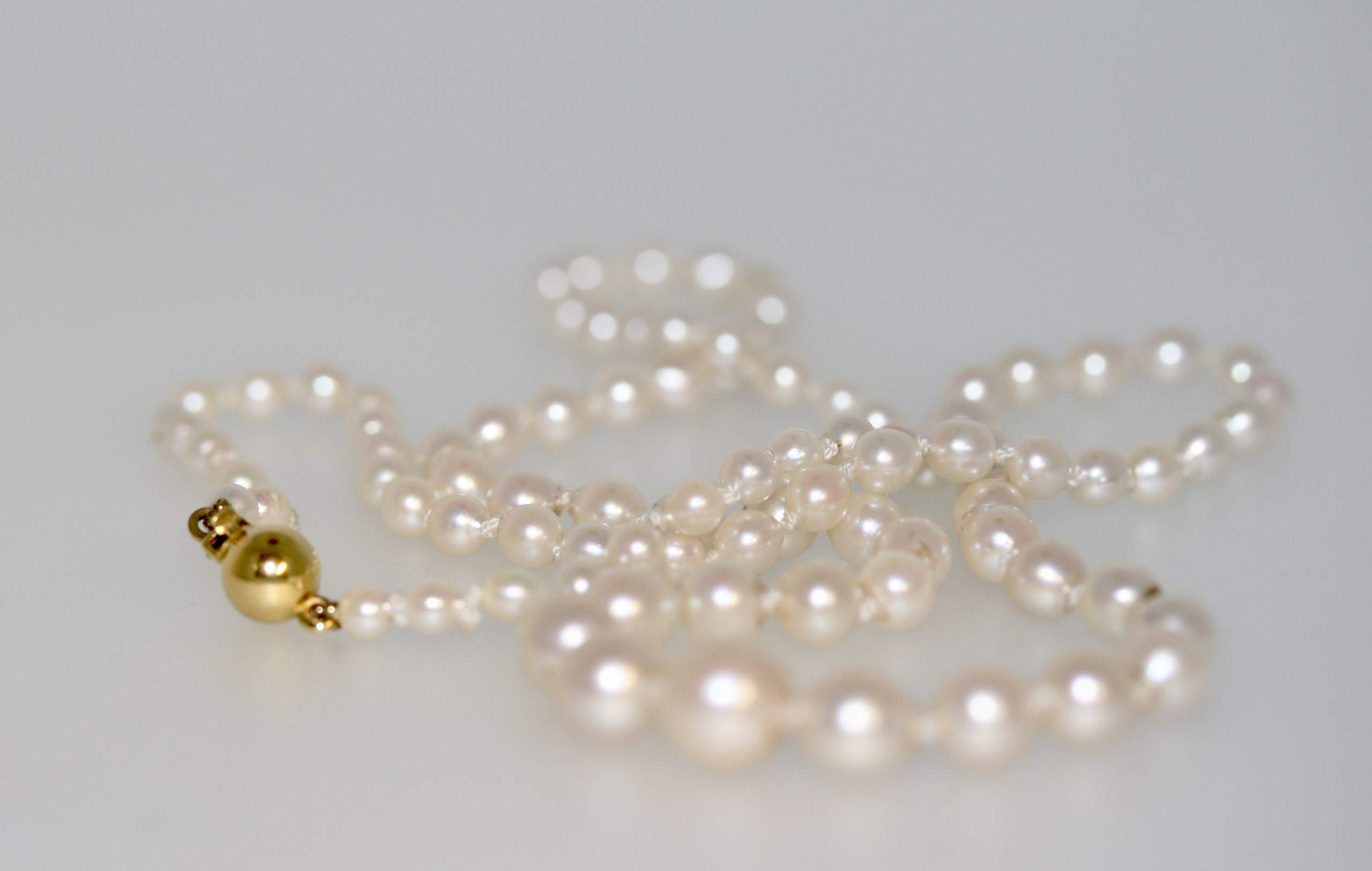 A Vintage Graduated Cultured Pearl Necklace