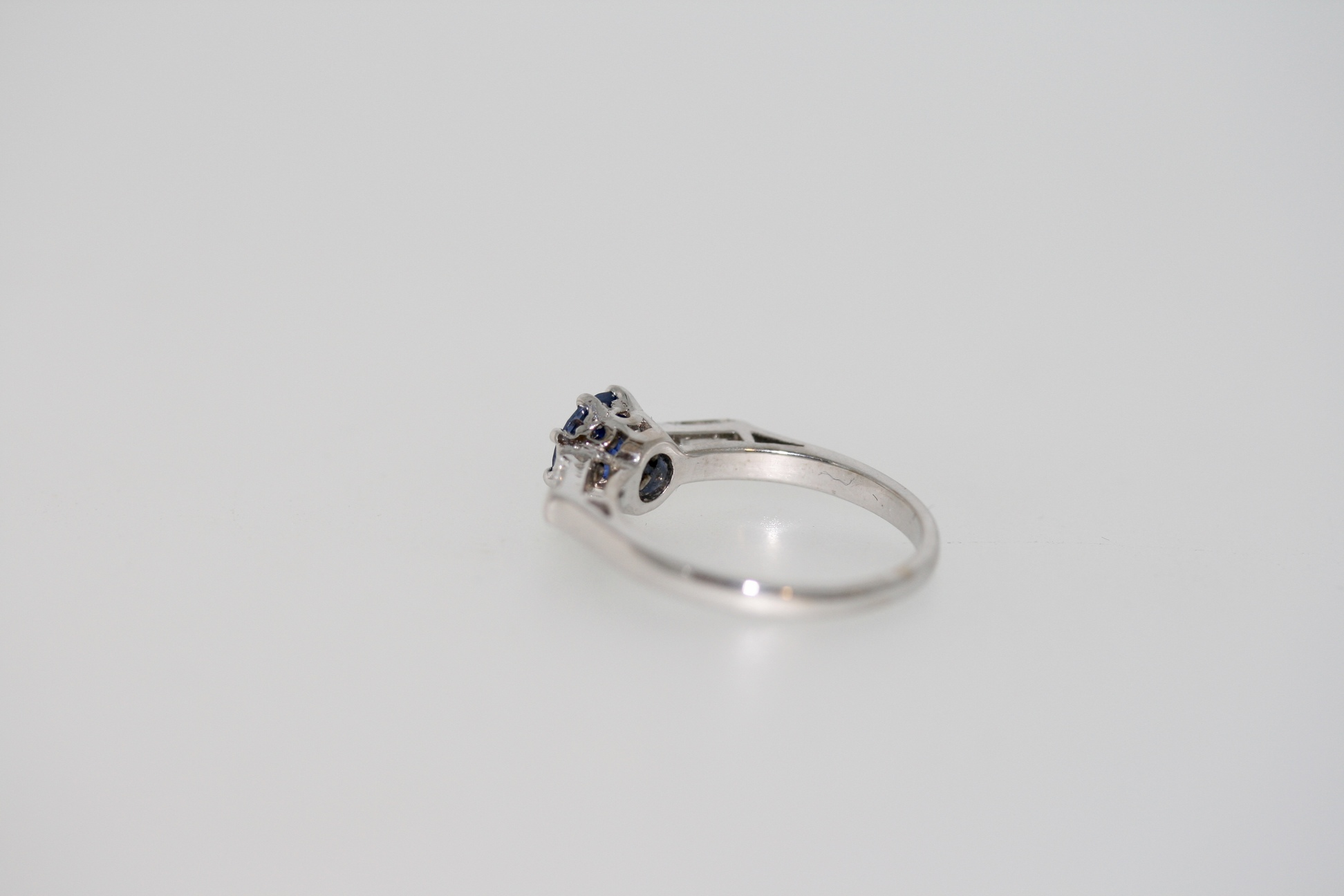 A Modern Natural Certified Sri Lankan Sapphire And Diamond Ring