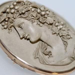 A 19th Century Italian Clava Cameo Brooch/ Pendant