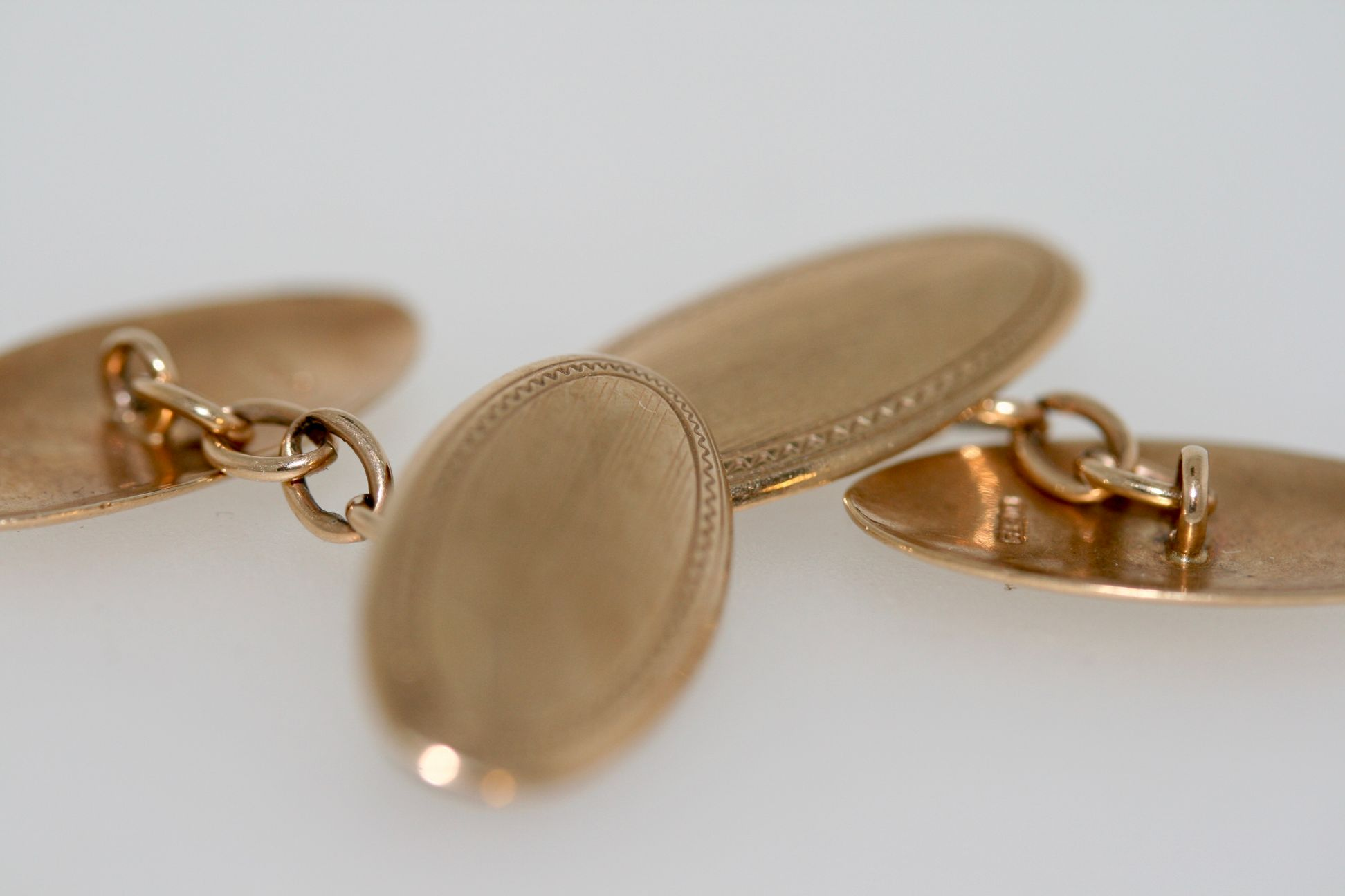 A Pair Of Vintage 9ct Yellow Gold Cufflinks