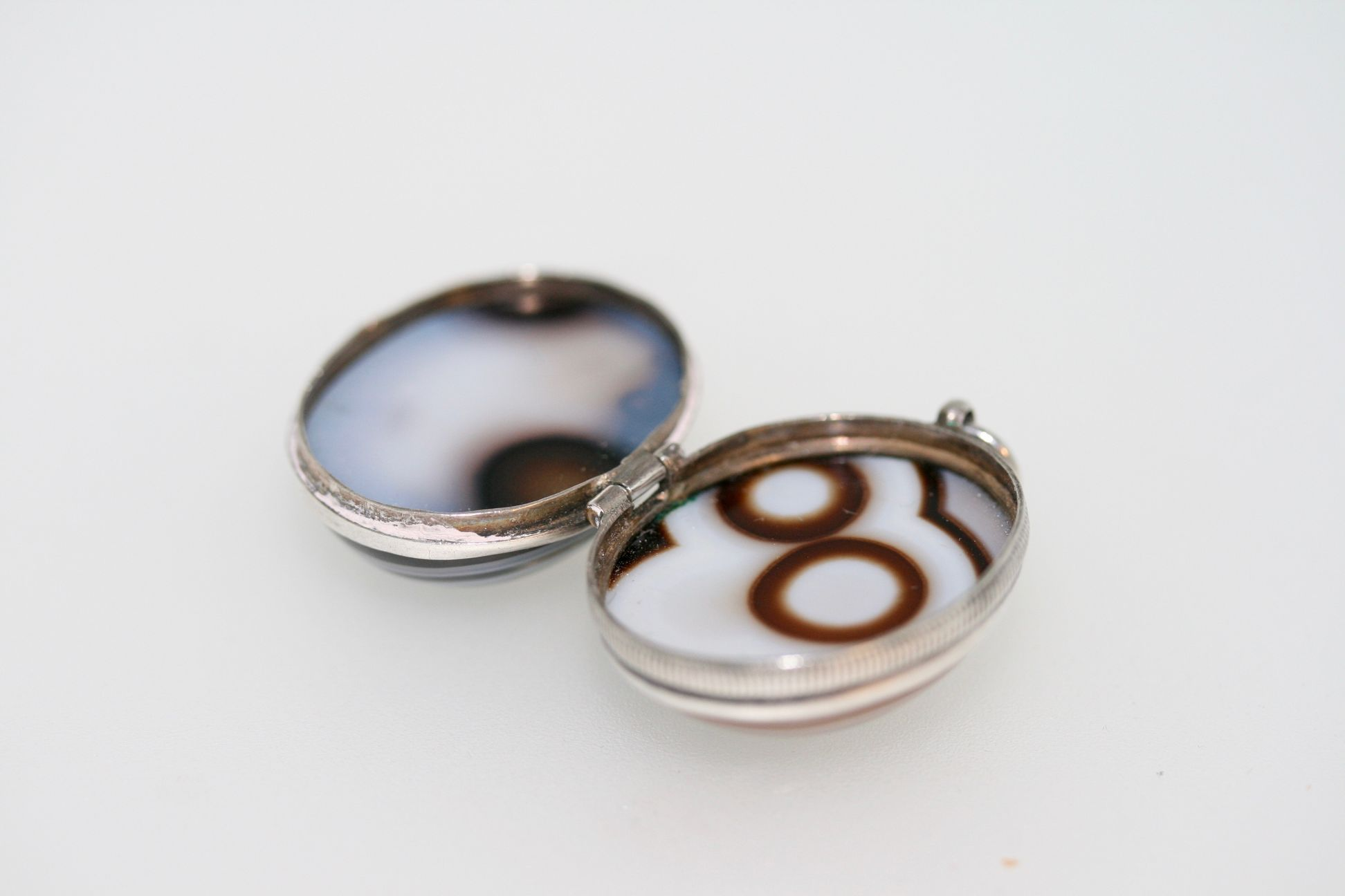 Victorian Banded Agate And Silver Egg Locket