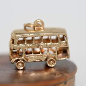 9ct Gold Stationmaster Bus Charm
