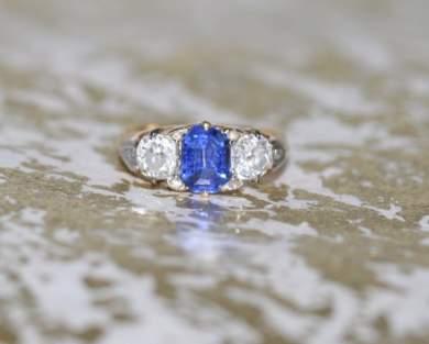 Sapphire 3 stone